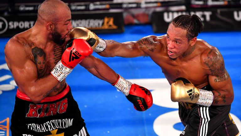 Lyndon Arthur (l) and Anthony Yarde in their light-heavyweight title fight
