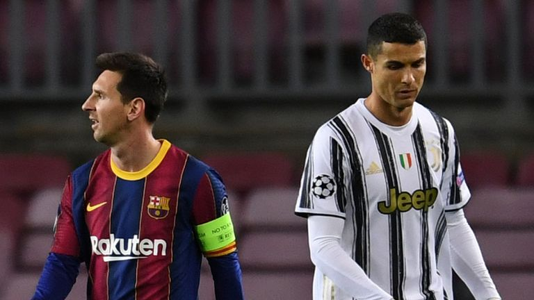 BARCELONA, SPAIN - DECEMBER 08: Lionel Messi of Barcelona (L) and Cristiano Ronaldo of Juventus F.C. (R) look on during the UEFA Champions League Group G stage match between FC Barcelona and Juventus at Camp Nou on December 08, 2020 in Barcelona, Spain. Sporting stadiums around Spain remain under strict restrictions due to the Coronavirus Pandemic as Government social distancing laws prohibit fans inside venues resulting in games being played behind closed doors. (Photo by David Ramos/Getty Imag