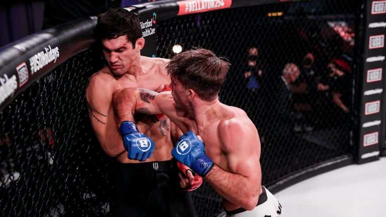 Billy Goff (3-2) defeated Robson Gracie Jr. (3-1) via TKO (strikes) at 1:46 of round two