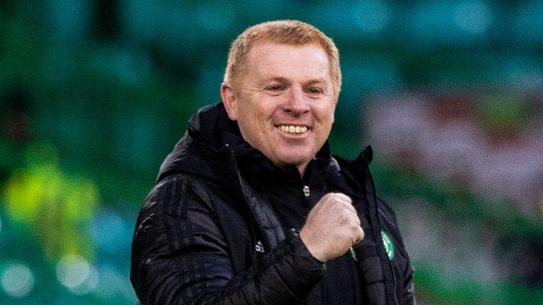 SNS - Celtic manager Neil Lennon celebrates Ismaila Soro's opener during their 3-0 Scottish Premiership win over Dundee United at Celtic Park