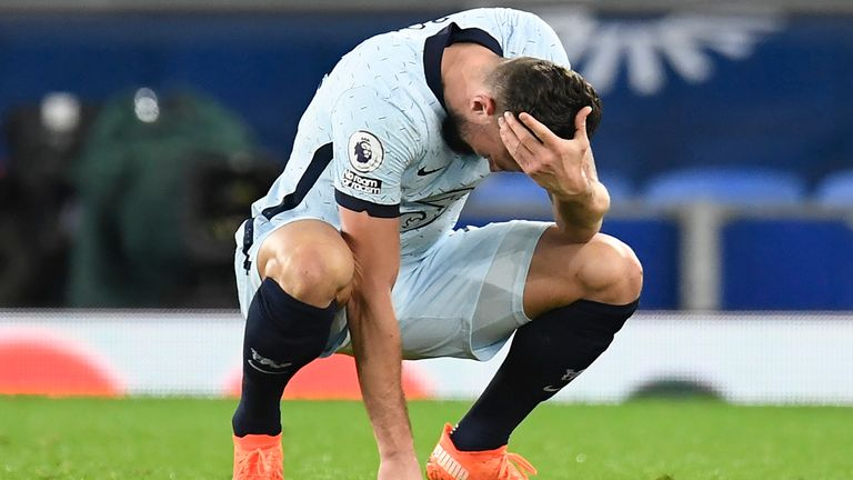 Olivier Giroud fell to the ground as Chelsea lost