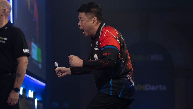 Paul Lim produced a brilliant display to beat Luke Humphries and seal a second round spot at the World Darts Championship