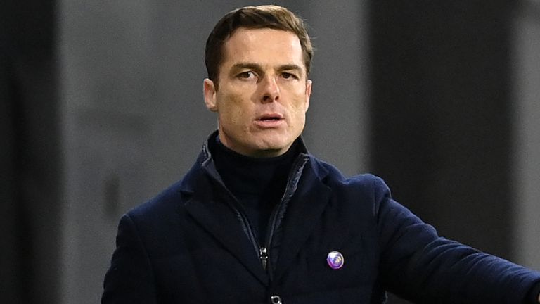 LONDON, ENGLAND - DECEMBER 13: Scott Parker, Manager of Fulham reacts during the Premier League match between Fulham and Liverpool at Craven Cottage on December 13, 2020 in London, England. A limited number of spectators (2000) are welcomed back to stadiums to watch elite football across England. This was following easing of restrictions on spectators in tiers one and two areas only. (Photo by Mike Hewitt/Getty Images)