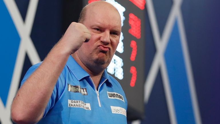 MVG will have to make do with spending Christmas with compatriot Vincent van der Voort