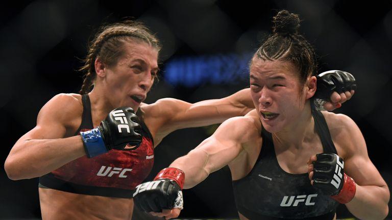 Weili Zhang defeats Joanna Jedrzejczyk UFC