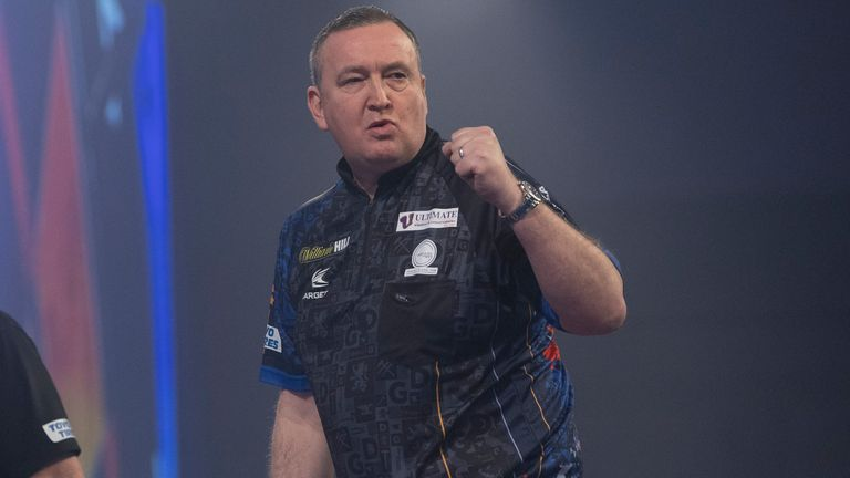Van Duijvenbode will take on Premier League champion Glen Durrant for a place in the quarter-finals