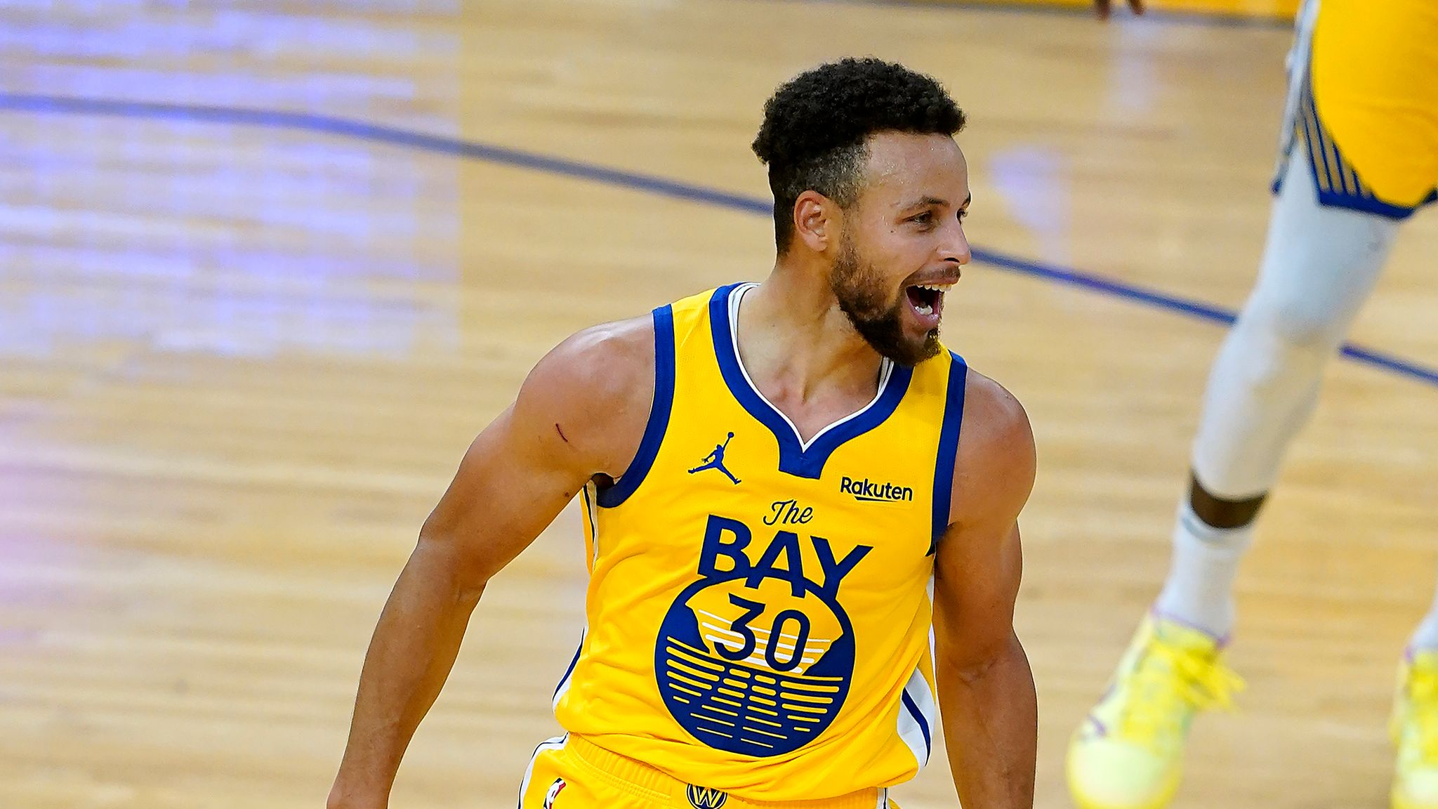 NBA: Stephen Curry's Scores Career-High Points Propels Golden State Warriors to Victory