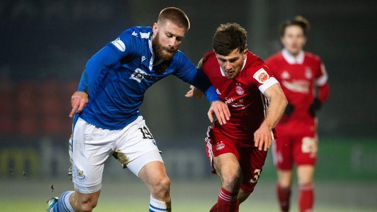 Matt Kennedy în Aberdeen se luptă cu Sean Rooney