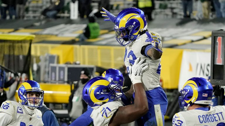 Cam Akers powered through Green Bay's defence before adding the two-point score to close the Packers' lead over the Los Angeles Rams in the third quarter.