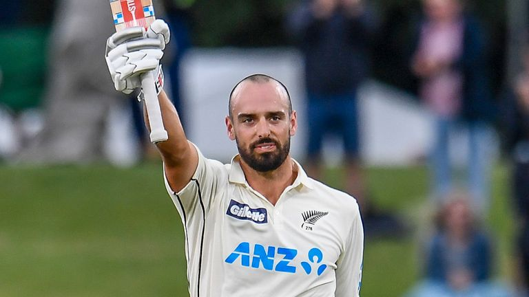 Daryl Mitchell was able to reach his maiden Test century before New Zealand made their declaration in Christchurch
