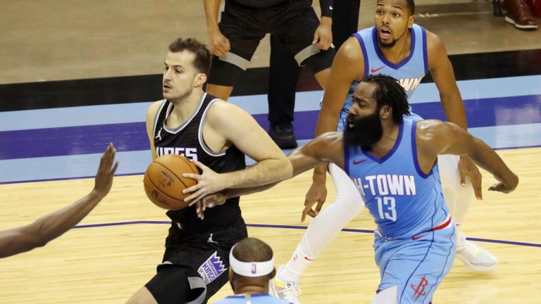 Highlights of the Sacramento Kings against the Houston Rockets in Week 2 of the NBA.