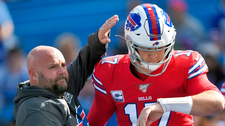 Bills offensive coordinator Brian Daboll encourages quarterback Josh Allen ahead of Buffalo's matchup with the Miami Dolphins in October 2019. (AP Photo/Adrian Kraus, File)