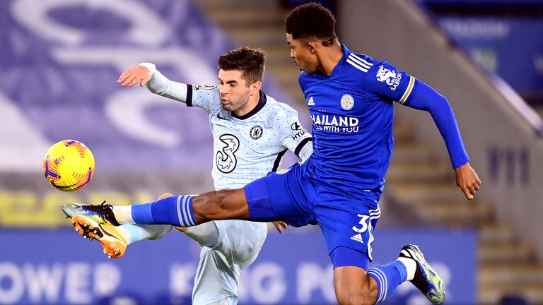 Chelsea's Christian Pulisic (left) and Leicester City's Wesley Fofana battle for the ball during the Premier League match at the King Power Stadium, Leicester. Picture date: Tuesday January 19, 2021.