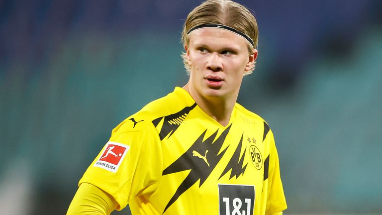 Barcelona are lining up a move for Borussia Dortmund striker Erling Haaland