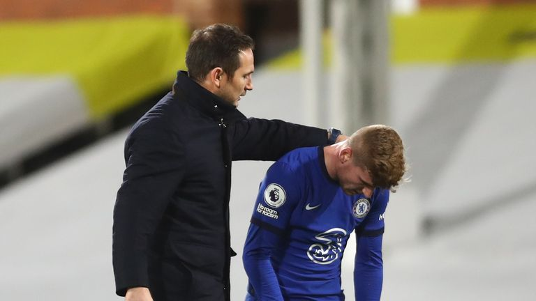 Frank Lampard consoles Timo Werner after his late miss for Chelsea against Fulham