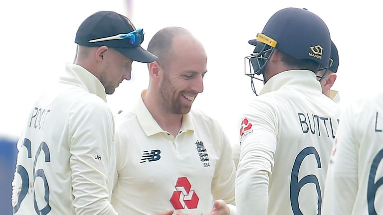 Sri Lanka portal - Jack Leach put in a much improved performance after lunch on day four in Galle