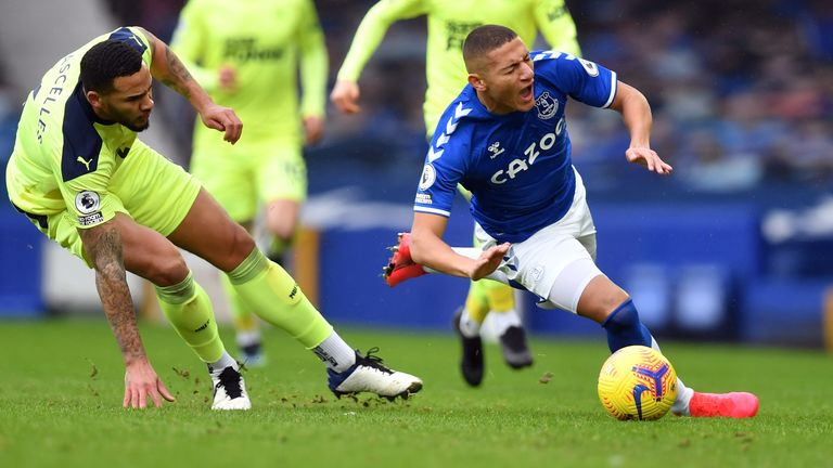 Jamaal Lascelles fouls Richarlison early on at Goodison Park