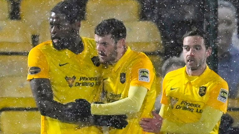 LIVINGSTON, SCOTLAND - JANUARY 20: Livingston's Jay Emmanuel-Thomas (L) celebrates making it 2-2 during a Scottish Premiership match between Livingston and Celtic at the Tony Macaroni Arena, on January 20, 2021, in Livingston, Scotland. (Photo by Rob Casey / SNS Group)