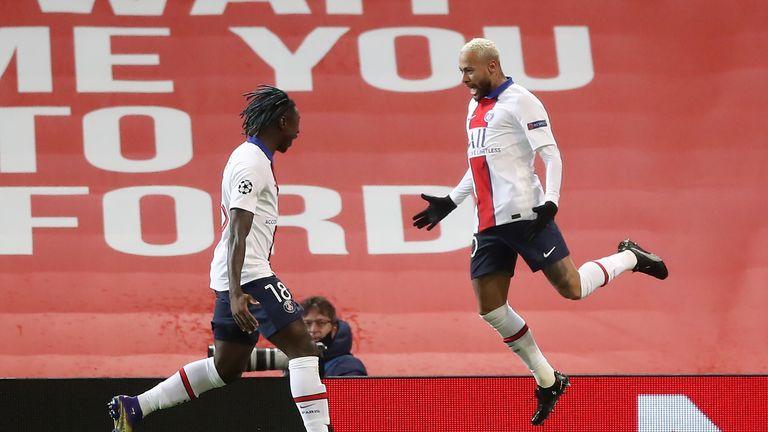 Moise Kean (left) and Neymar