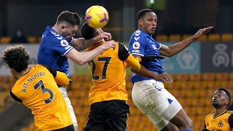 Michael Keane heads Everton into a 2-1 lead