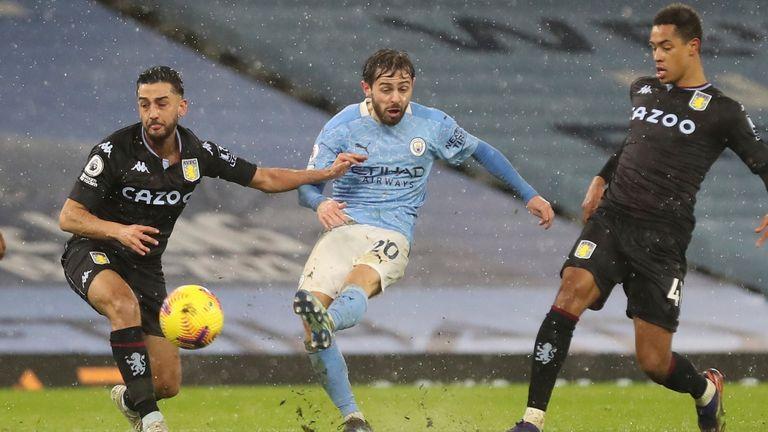 Bernardo Silva aus Manchester City erzielte das erste Tor für sein Team während des Premier League-Fußballspiels zwischen Manchester City und Aston Villa im Etihad Stadium in Manchester, England, am Mittwoch, dem 20. Januar 2021.  (Martin Reckitt / Paul über AP)