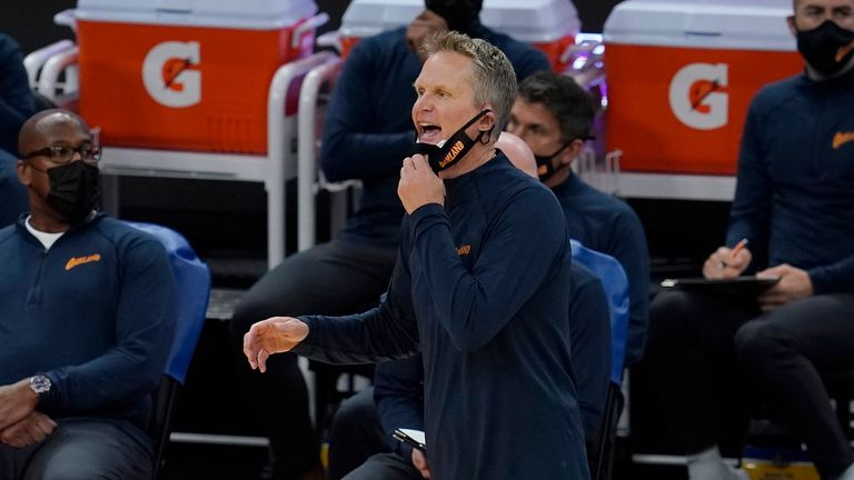 Golden State Warriors head coach Steve Kerr shouts instructions to his players against the Minnesota Timberwolves