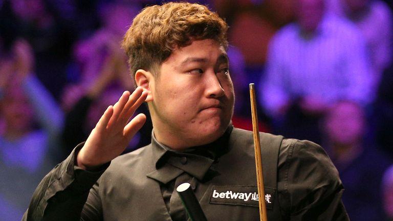Yan Bingtao upset John Higgins to win the Masters