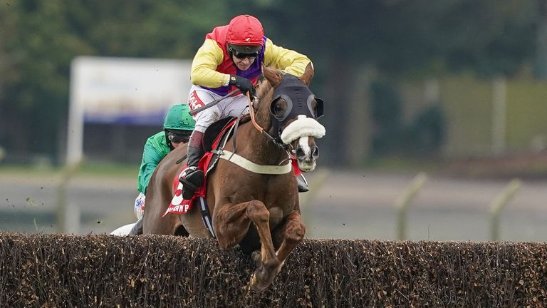Native River and Richard Johnson win the Cotswold Chase