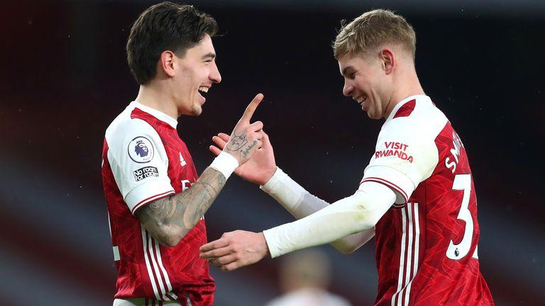 Hector Bellerin a marqué le troisième Arsenal avant la fin de la première mi-temps