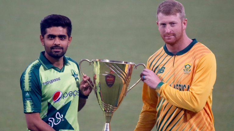 Pakistan T20 skipper Babar Azam and his South Africa counterpart Heinrich Klaasen pose with the trophy for the on-going Twenty20 series