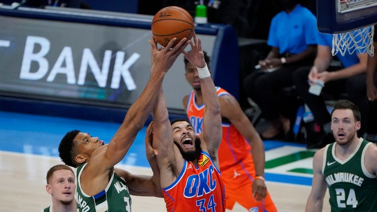 Highlights of the Milwaukee Bucks against the Oklahoma City Thunder in Week 8 of the NBA.