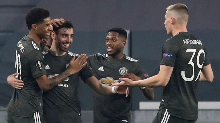 Bruno Fernandez comemora o gol do Manchester United contra o Real Sociedad