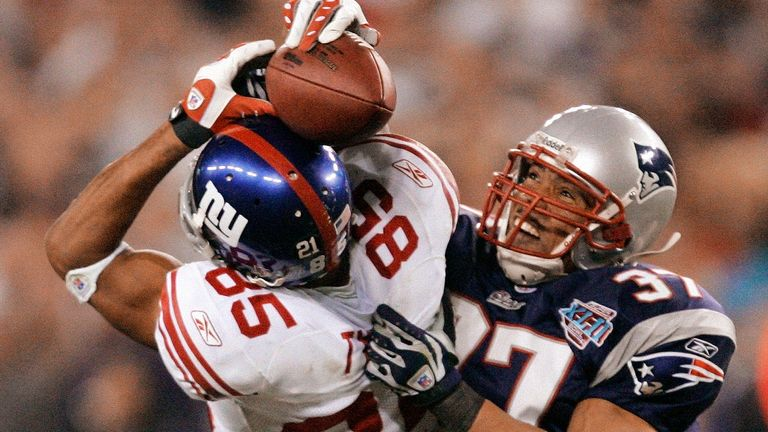 David Tyree hangs on for his helmet catch in the Giants' win over the previously unbeaten Patriots in Super Bowl XLII
