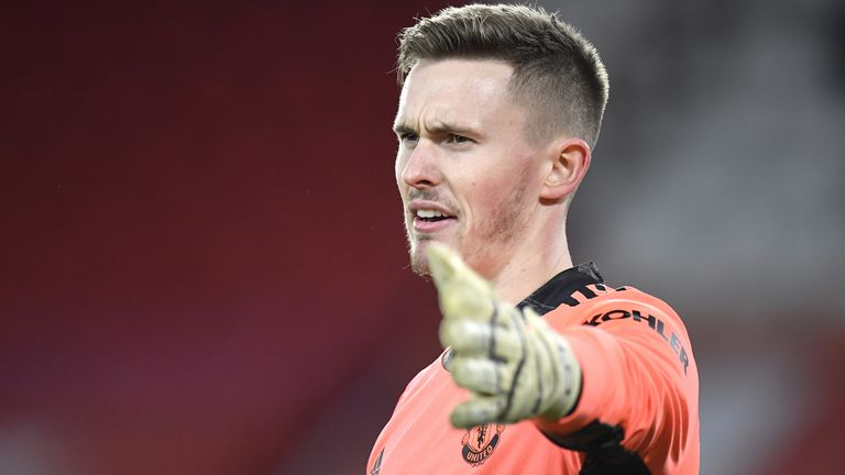 Dean Henderson's preferred option is to remain at Manchester United - but only as their number one