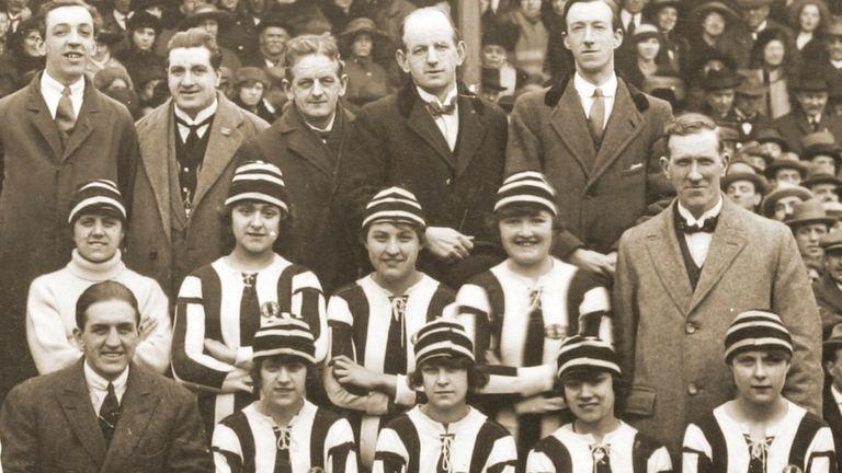 dick kerr ladies postcard 1921