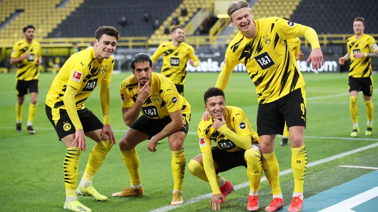 Jadon Sancho celebrates with Giovanni Reyna, Emre Can and Erling Haaland after scoring against Arminia Bielefeld