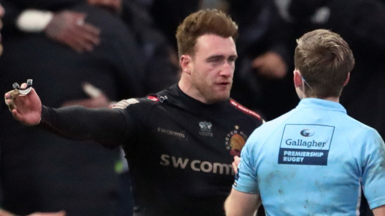 Stuart Hogg appeals to referee Christophe Ridley over Joe Simmonds' charged-down conversion attempt