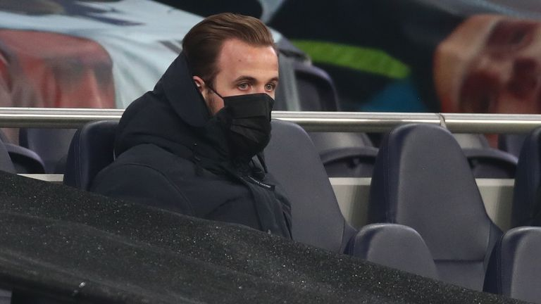 Harry Kane watches on during Tottenham's game against Chelsea