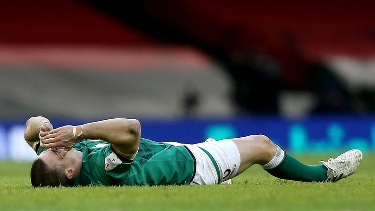 Sexton was forced off towards the end of the match with a head injury