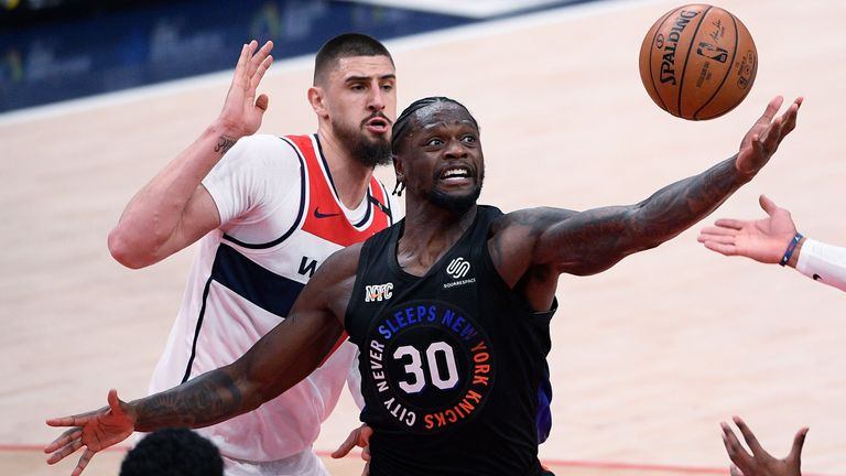 Julius Randle (30) led the way for the Knicks as they beat Washington (AP Photo/Nick Wass).