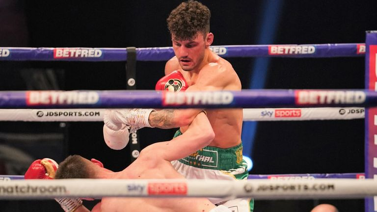 Leigh Wood defeated Reece Mould with a ninth-round knockout