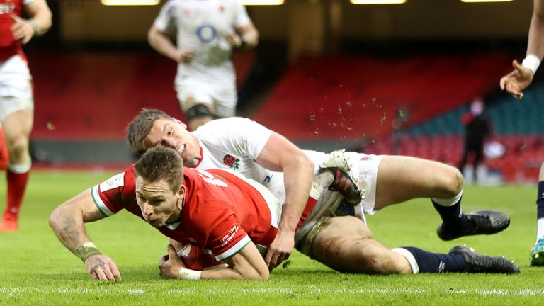 Liam Williams scores Wales' second try, which was awarded despite replays showing after a pretty clear Louis Rees-Zammit knock on