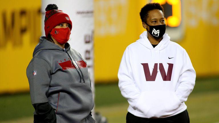 Tampa Bay Buccaneers defensive line coach Lori Locust and Washington Football Team coaching intern Jennifer King their Wild Card matchup. (AP Photo/Daniel Kucin Jr.)