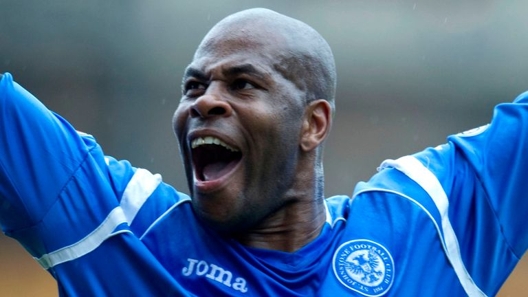 07/05/11 CLYDESDALE BANK PREMIER LEAGUE.ABERDEEN v ST JOHNSTONE.PITTODRIE - ABERDEEN.St Johnstone's Michael Duberry celebrates in front of the supporters at the final whistle