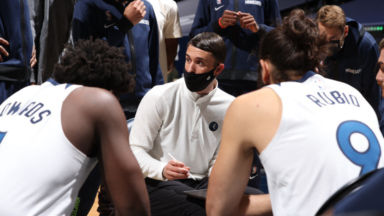 Ryan Saunders gives instructions to guards Anthony Edwards and Ricky Rubio during a Timberwolves timeout
