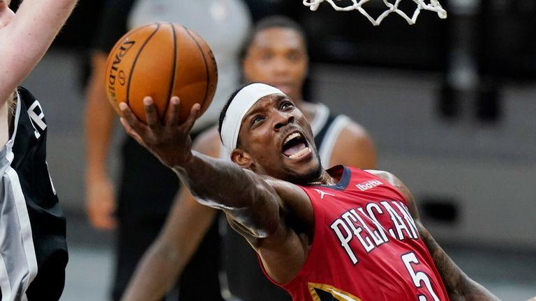 NBA: Spurs v Pelicans