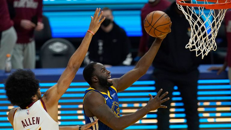 Nba Steph Curry Leads Golden State Warriors Rout Of Cleveland Cavaliers Utah Jazz Beat Philadelphia 76ers Nba News Sky Sports