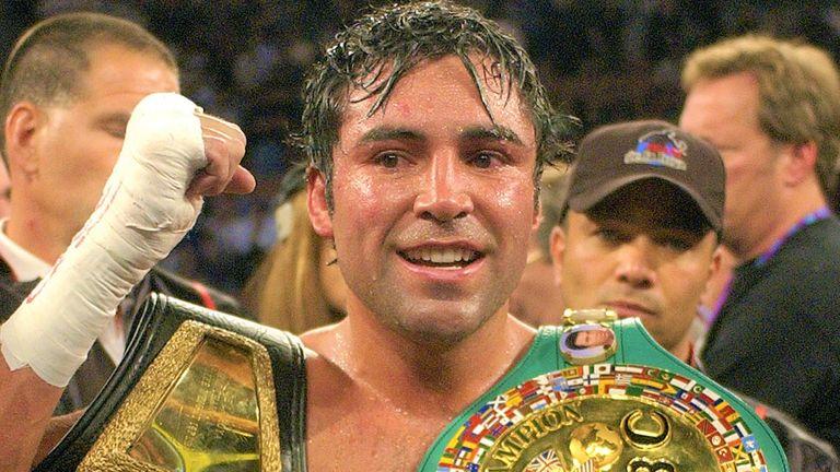 Oscar De La Hoya defended his world title against Jesse James Leija in 1995