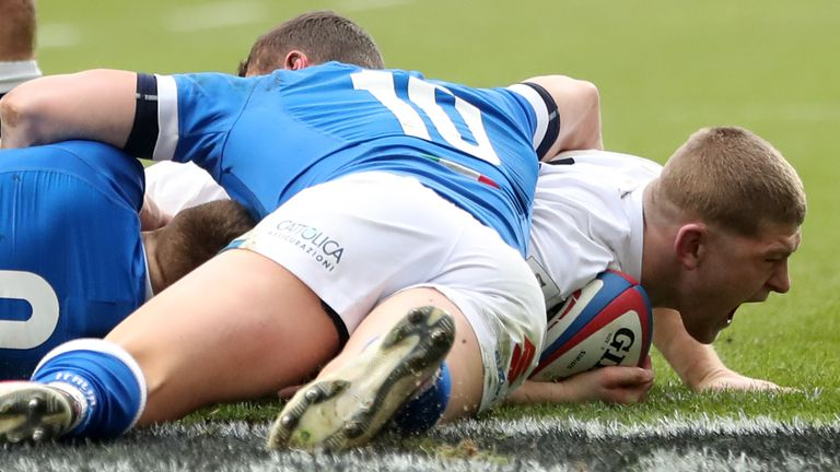 Willis crossed for a try moments before suffering injury