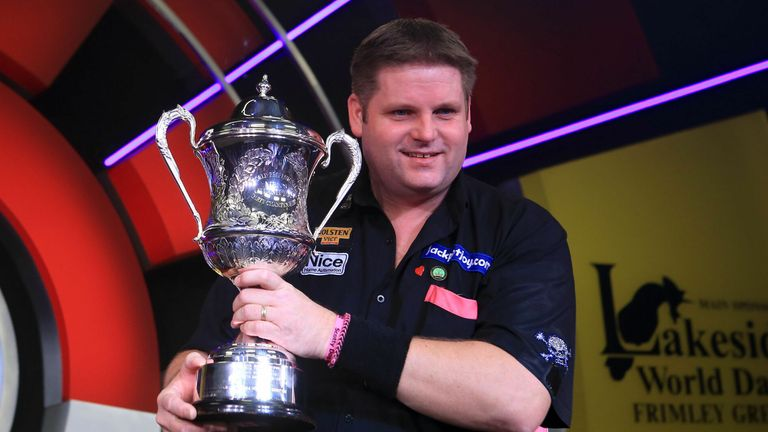 Mitchell defeated Martin Adams in the 2015 Lakeside final